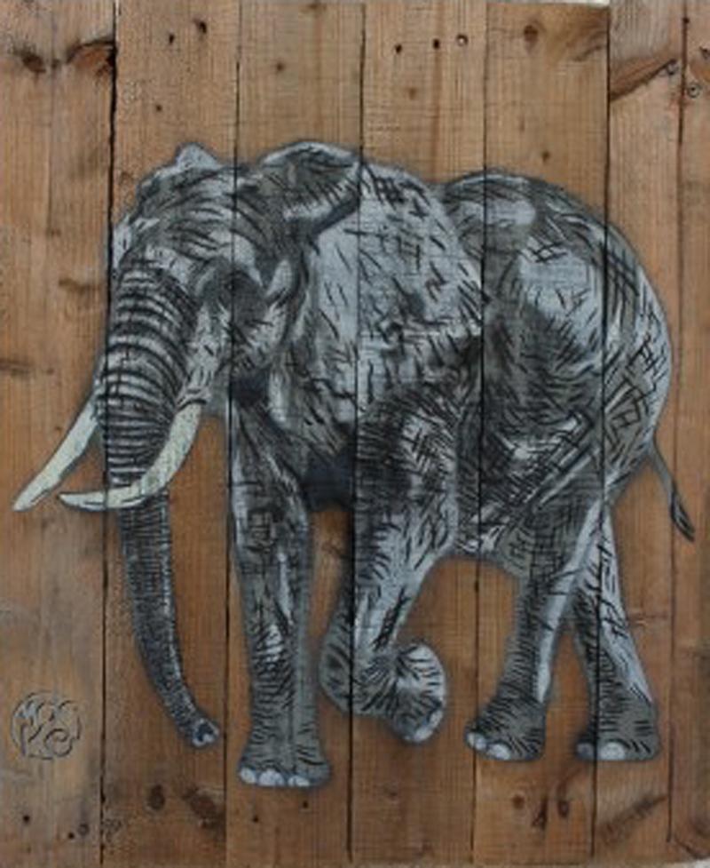 Éléphant, pochoir, bois brut, 68 x 58 cm