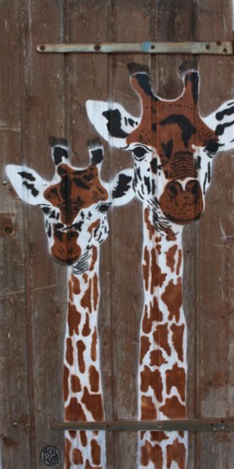Deux girafes, pochoir, bois brut, 151 x 75 cm