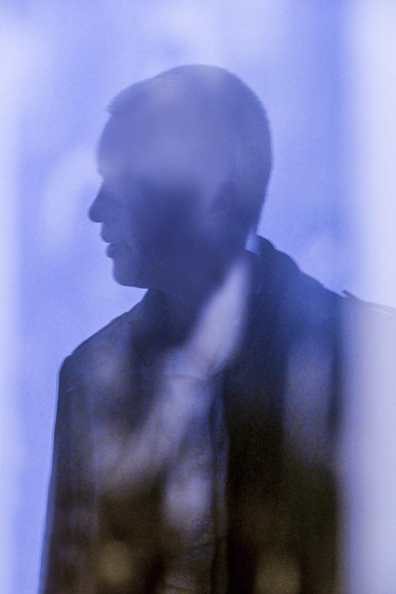 Les anonymes - l'homme à l'écharpe