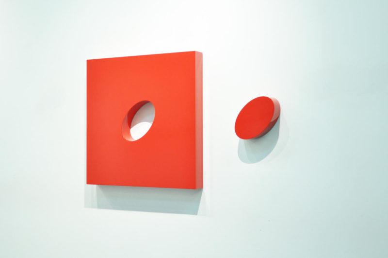 Lori Cozen-Geller - Déchaîné - Peinture automobile haute brillance sur bois et stratifié - 91 x 91 x 7,5 cm - unique - 2020
